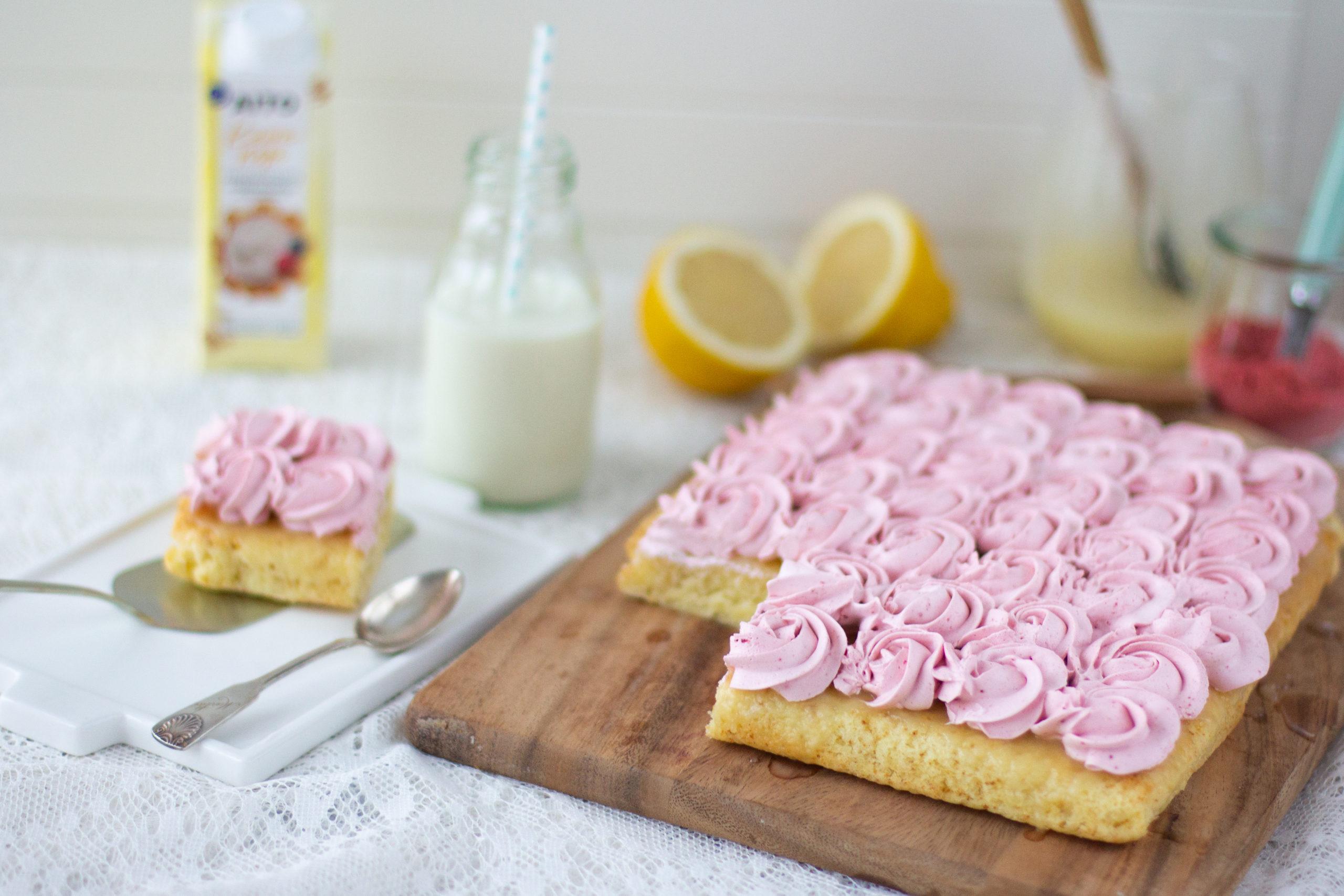 Poke-kakku vegaaninen ja gluteeniton