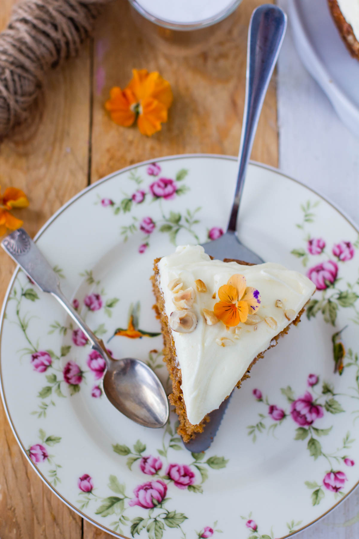 Carrotcake with nuts