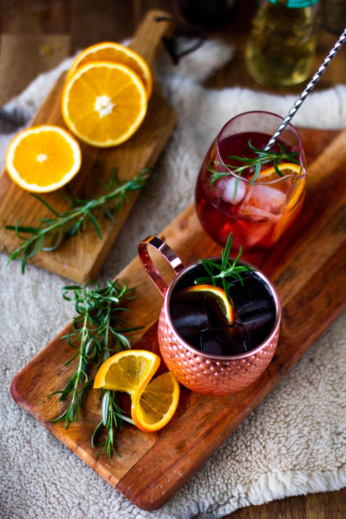 Herkullinen alkoholiton ja jouluinen moscow mule-juoma