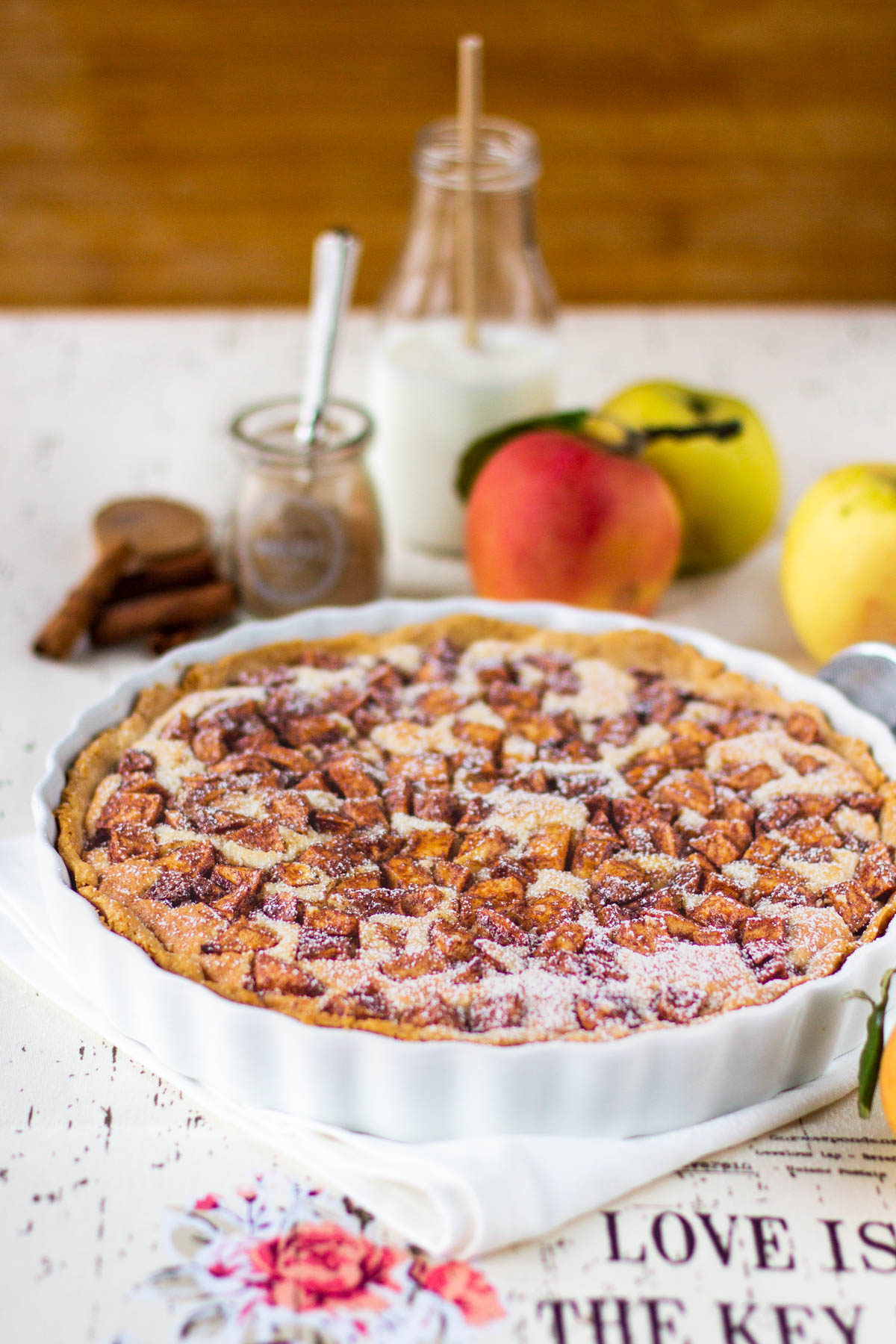 apple pie with frangipane filling