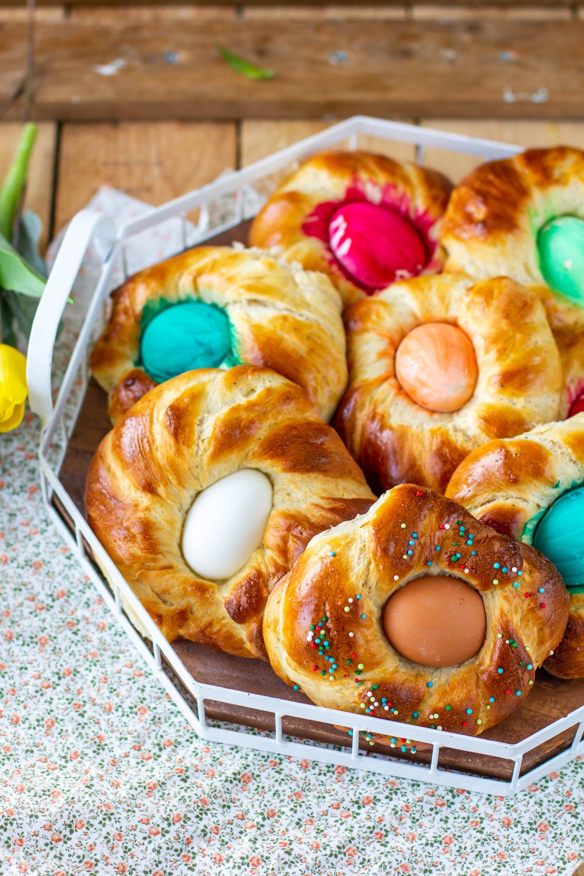 Pääsiäispullat kananmunilla