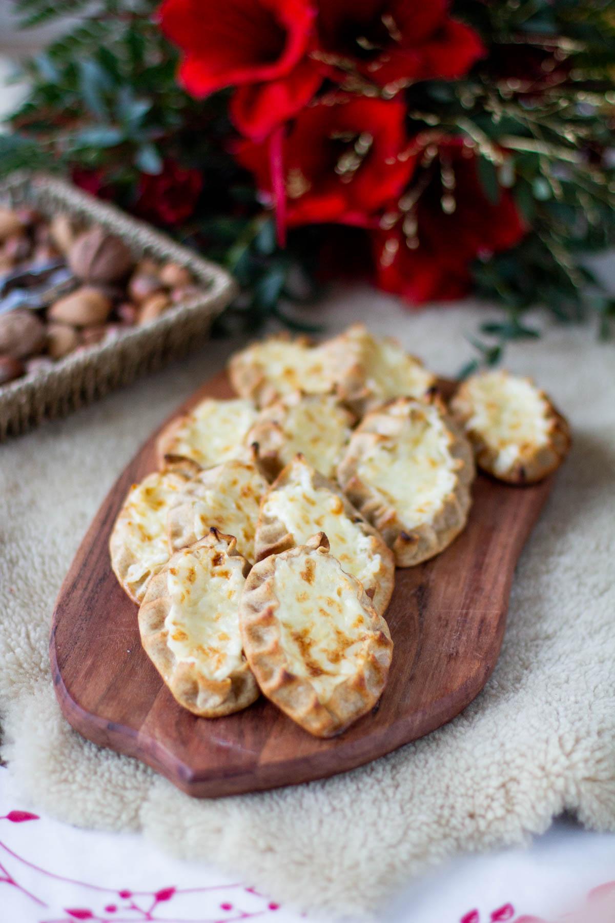 Herkulliset riisipiirakat joulun ylimääräisestä puurosta